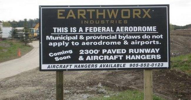 Aerodrome sign 650